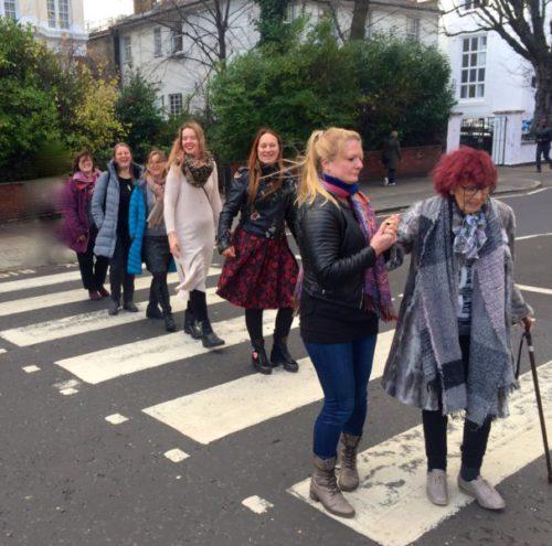 Das Team von San Esprit auf der berühmten Abbey Road